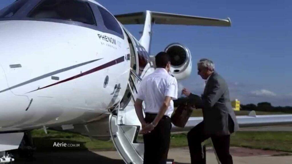 As empresas terceirizadas que atuam na manipulação de bagagens e no controle de tráfego aéreo