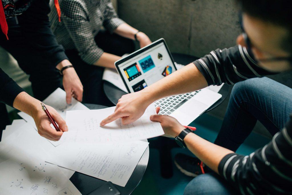 Quais as vantagens de adequar sua empresa às normas ISO?
