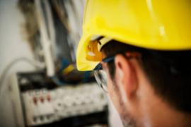 EPIs para eletricistas: quais são, como higienizar e conservar?